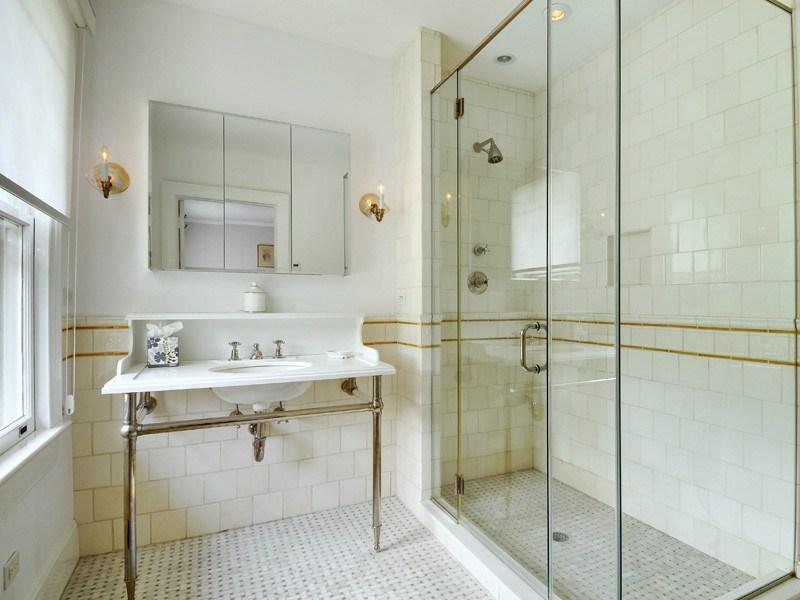 Additional photo for property listing at East Hampton Classic Georgian Estate  East Hampton, New York 11937 United States