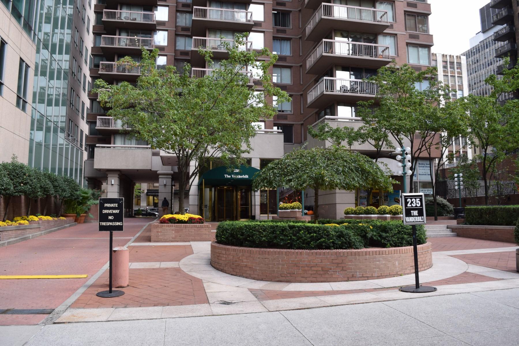 Property Of 235 East 40th Street, Apt. 31C