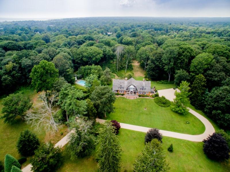 Частный односемейный дом для того Продажа на Magnifigant Pastoral Estate East Hampton, Нью-Йорк 11937 Соединенные Штаты