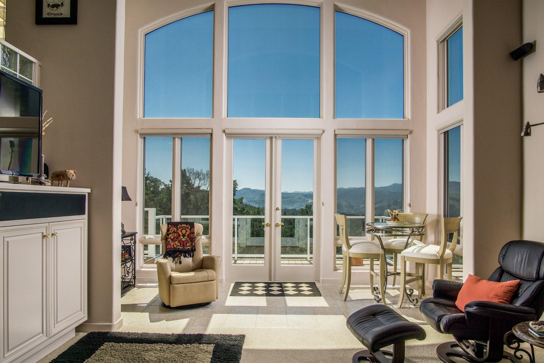 Villa per Vendita alle ore Designer Home in Carmel Views 25140 Pine Hills Drive Carmel, California, 93923 Stati Uniti