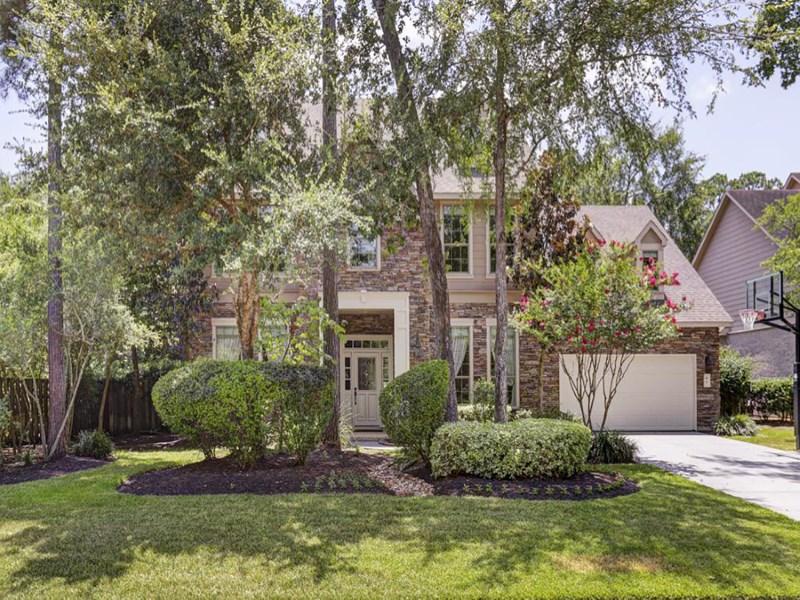 Casa Unifamiliar por un Venta en 89 E. Beckonvale Circle The Woodlands, Texas 77382 Estados Unidos