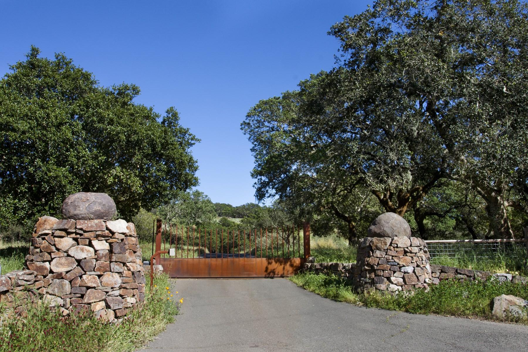 独户住宅 为 销售 在 Wine Country Dream Retreat 3660 Wood Valley Rd 索诺玛, 加利福尼亚州, 95476 美国