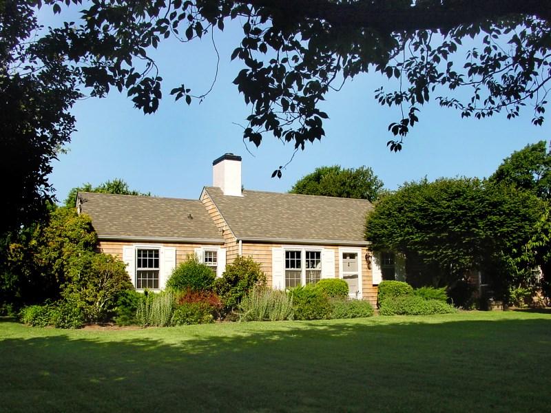 Single Family Home for Sale at Classic Amagansett Lanes Cape 82 Hedges Lane Amagansett, New York 11930 United States