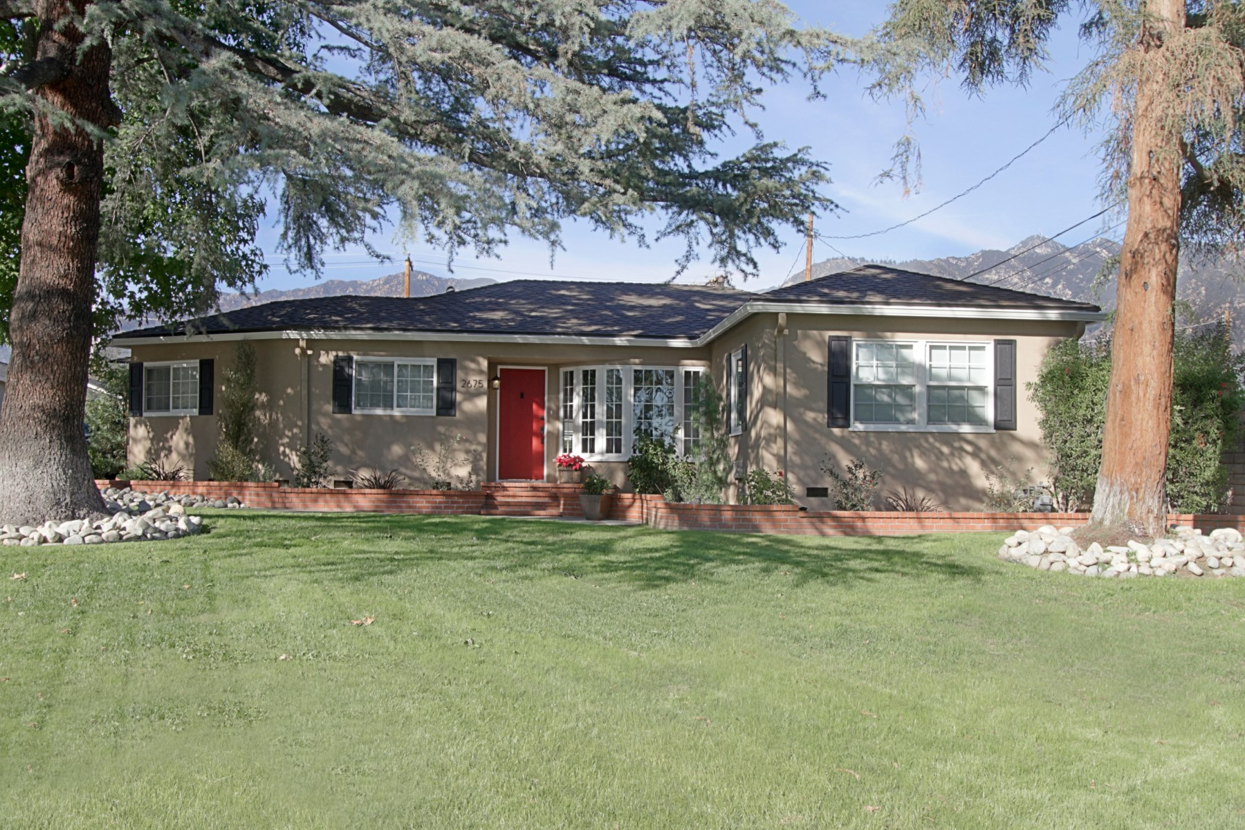 Single Family Home for Sale at Remodeled Traditional 2675 Las Lunas Street Pasadena, California 91107 United States