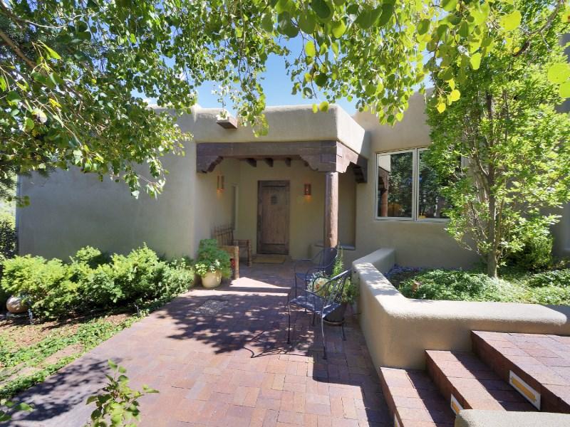 Maison unifamiliale pour l Vente à 1519 Bent Hill Santa Fe, New Mexico 87501 États-Unis