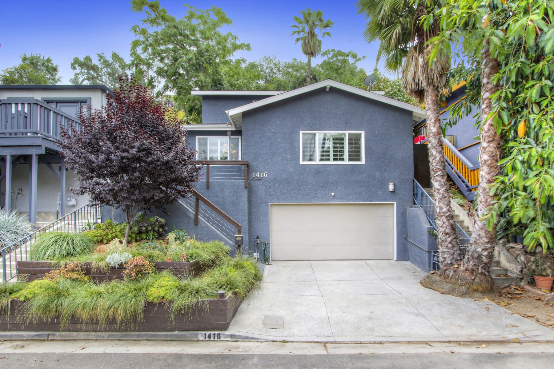 Moradia para Venda às 1416 North Occidental Boulevard Silver Lake, Los Angeles, Califórnia, 90026 Estados Unidos