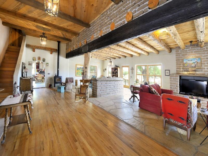 Nhà ở một gia đình vì Bán tại Rancho Viejo County Road 142 Rancho Viejo County Rd 142 Abiquiu, New Mexico 87510 Hoa Kỳ