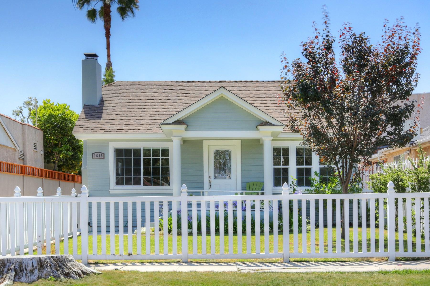Villa per Vendita alle ore 1619 Stanley Avenue Hancock Park, Los Angeles, California 90046 Stati Uniti