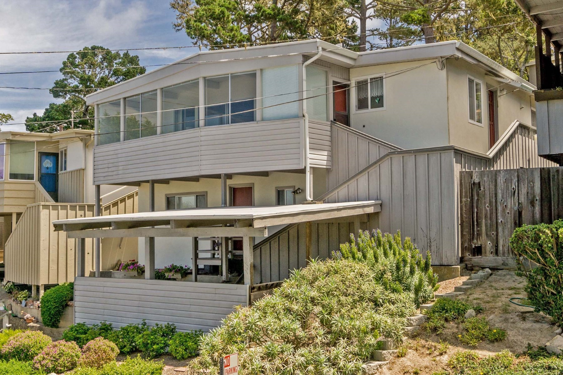 Nhà ở một gia đình vì Bán tại High on a Hill with Ocean Views 1149 Presidio Boulevard Pacific Grove, California 93950 Hoa Kỳ