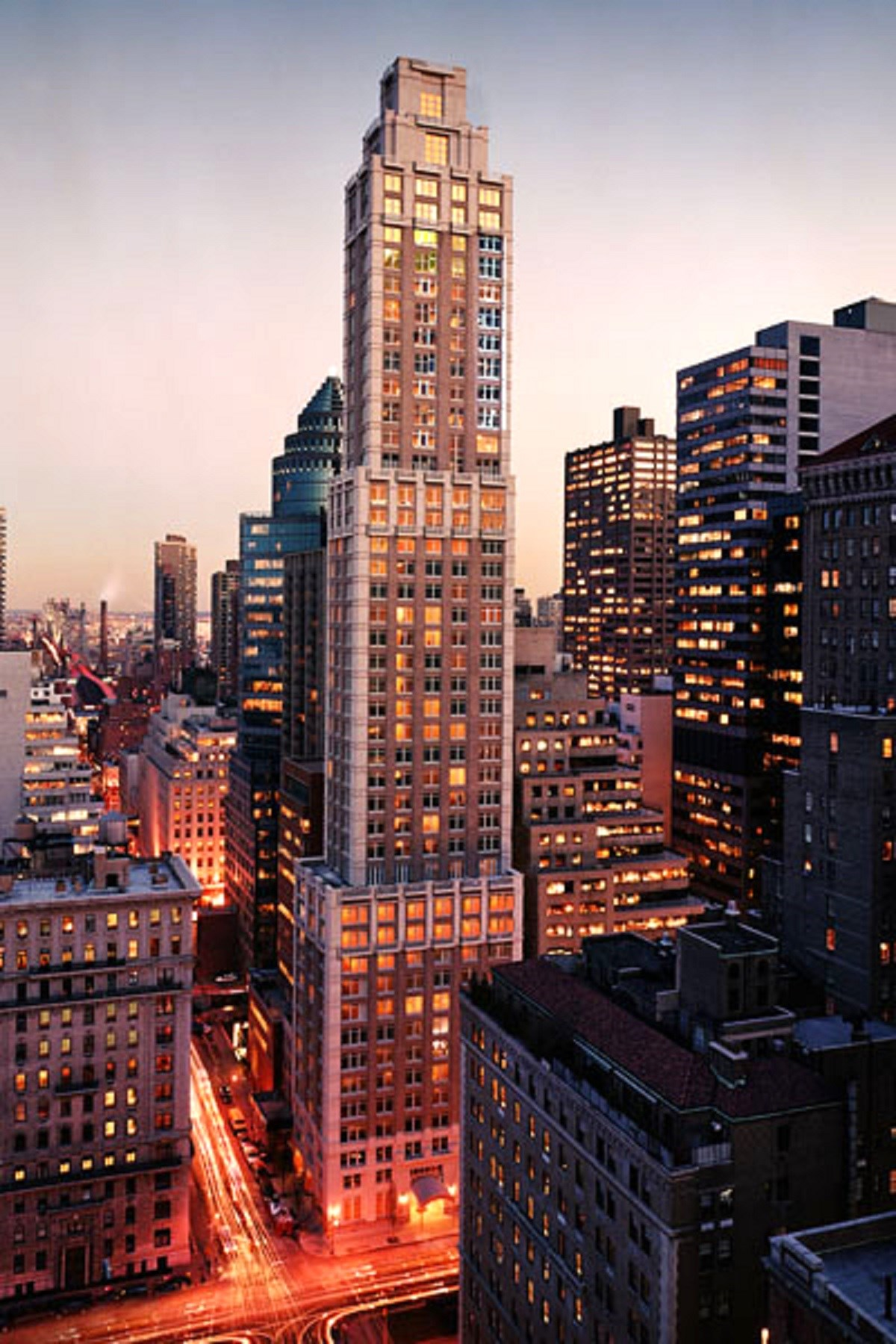 sales property at 515 Park Avenue, Apt 4B