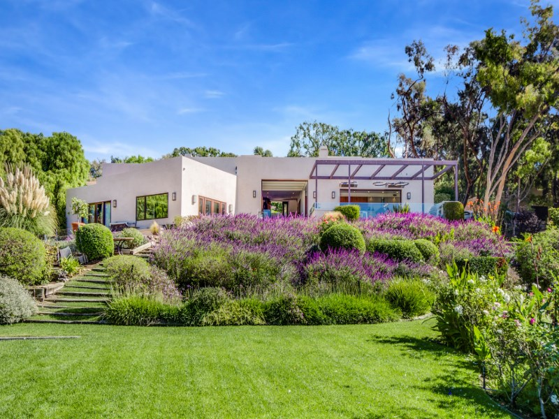Single Family Home for Sale at Modern Architectural Home 6315 Gayton Place Malibu, California 90265 United States