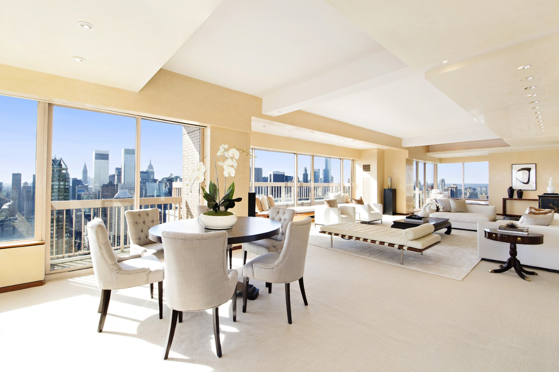 共管物業 為 出售 在 Spectacular 360-Degree Penthouse Views Upper East Side, New York, 紐約州, 10021 美國