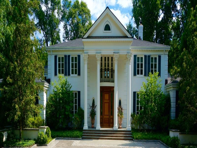Maison unifamiliale pour l Vente à Lakefront Estate with Amenities 7 Wyckham Hill Lane Mid-Country, Greenwich, Connecticut 06831 États-Unis