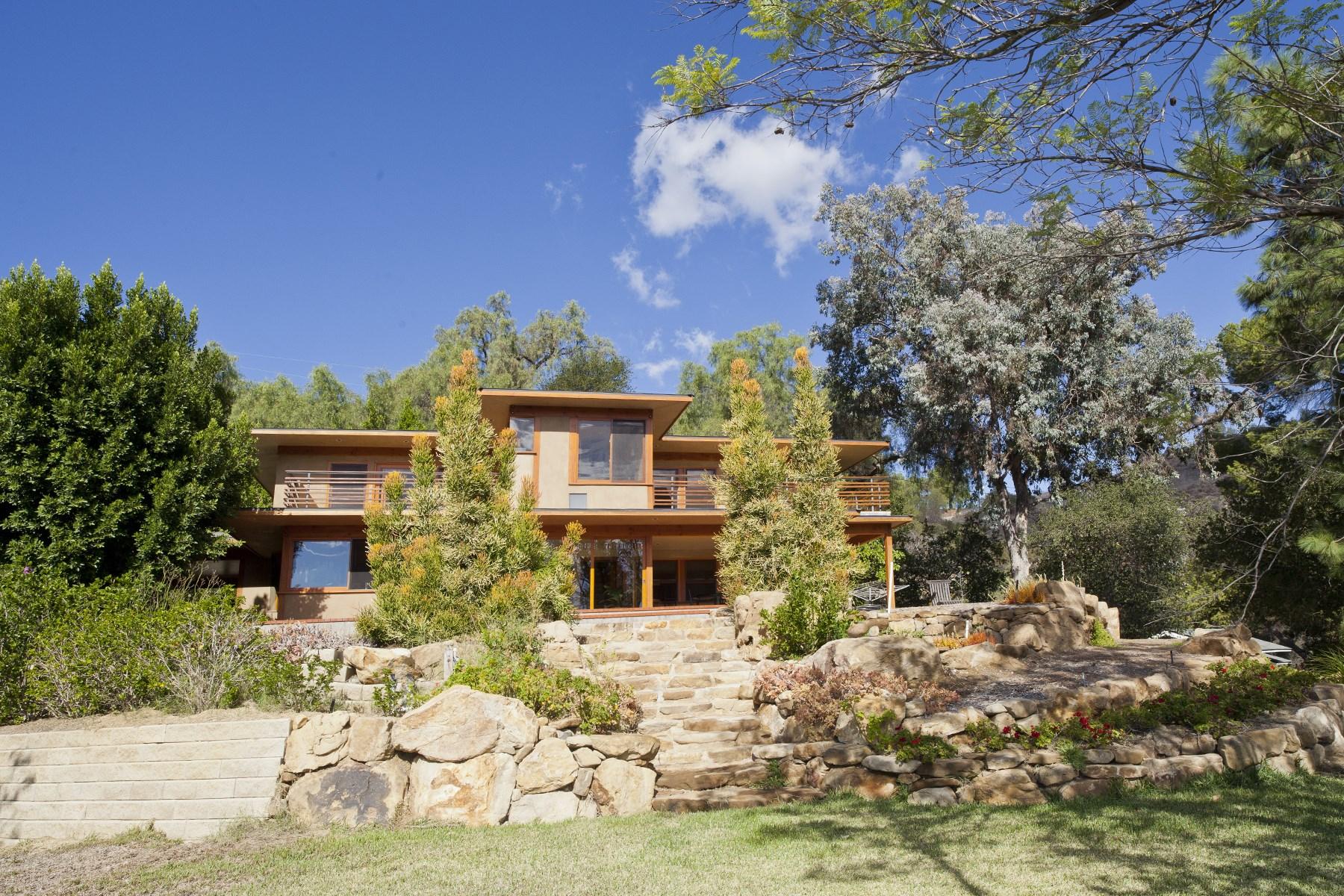 Maison unifamiliale pour l Vente à Craftsman-Style Compound 2778 Halsey Road Topanga, Californie, 90290 États-Unis