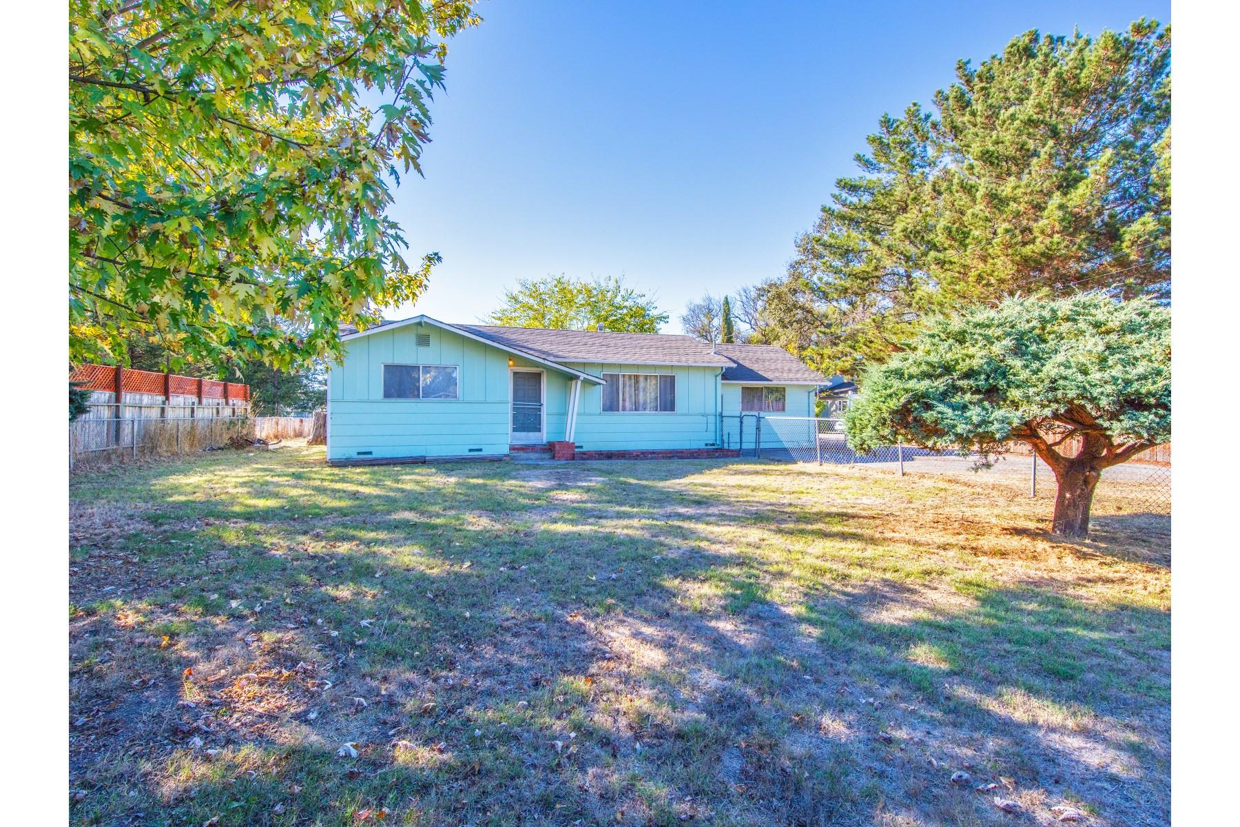 Maison unifamiliale pour l Vente à Vintage Sonoma County Home 4023 Jobe Ln Santa Rosa, Californie 95407 États-Unis
