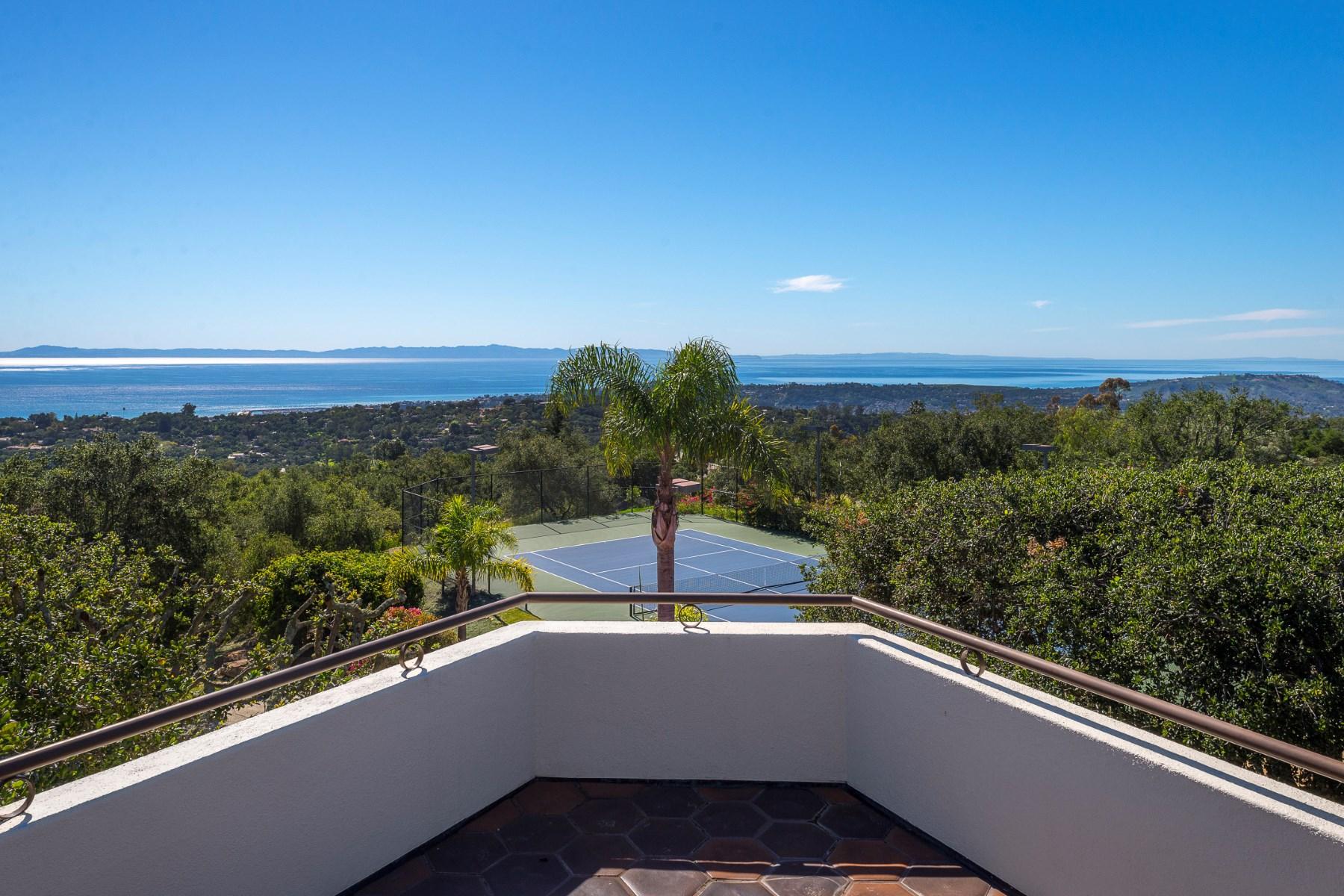 Vivienda unifamiliar por un Venta en 360° Views Santa Barbara 2211 Mount Calvary Road Santa Barbara, California 93105 Estados Unidos