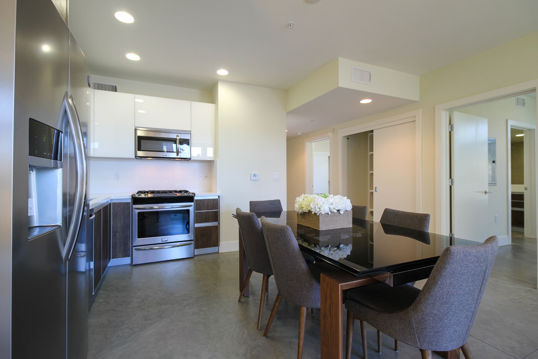 Property Of New & modern unit in Prime Pasadena