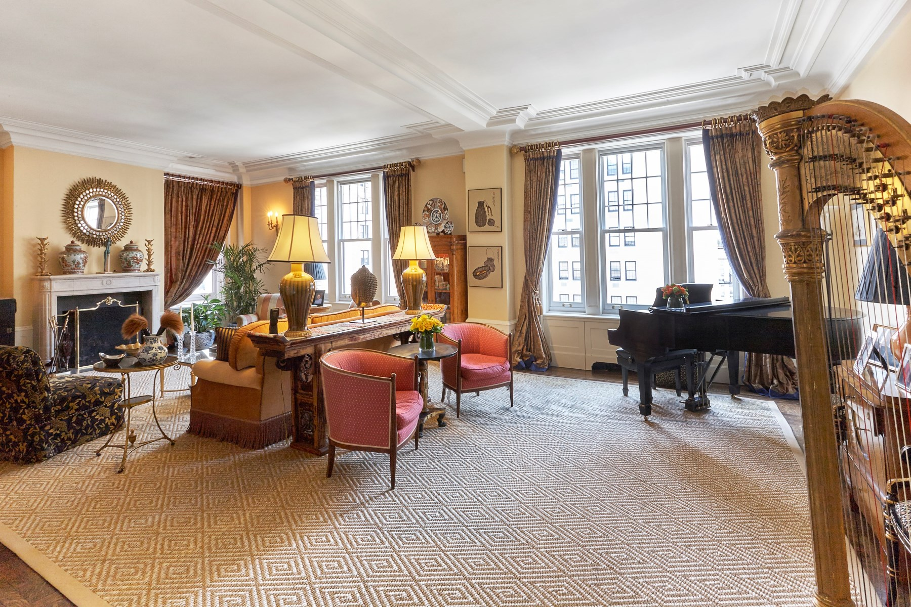 sales property at Magnificent Park Avenue Residence