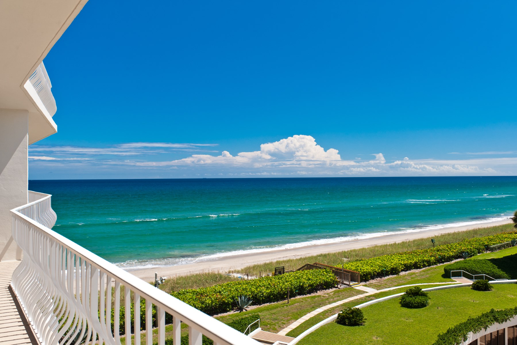 Condomínio para Venda às Breathtaking Views 2000 S Ocean Blvd Apt 408N Palm Beach, Florida, 33480 Estados Unidos