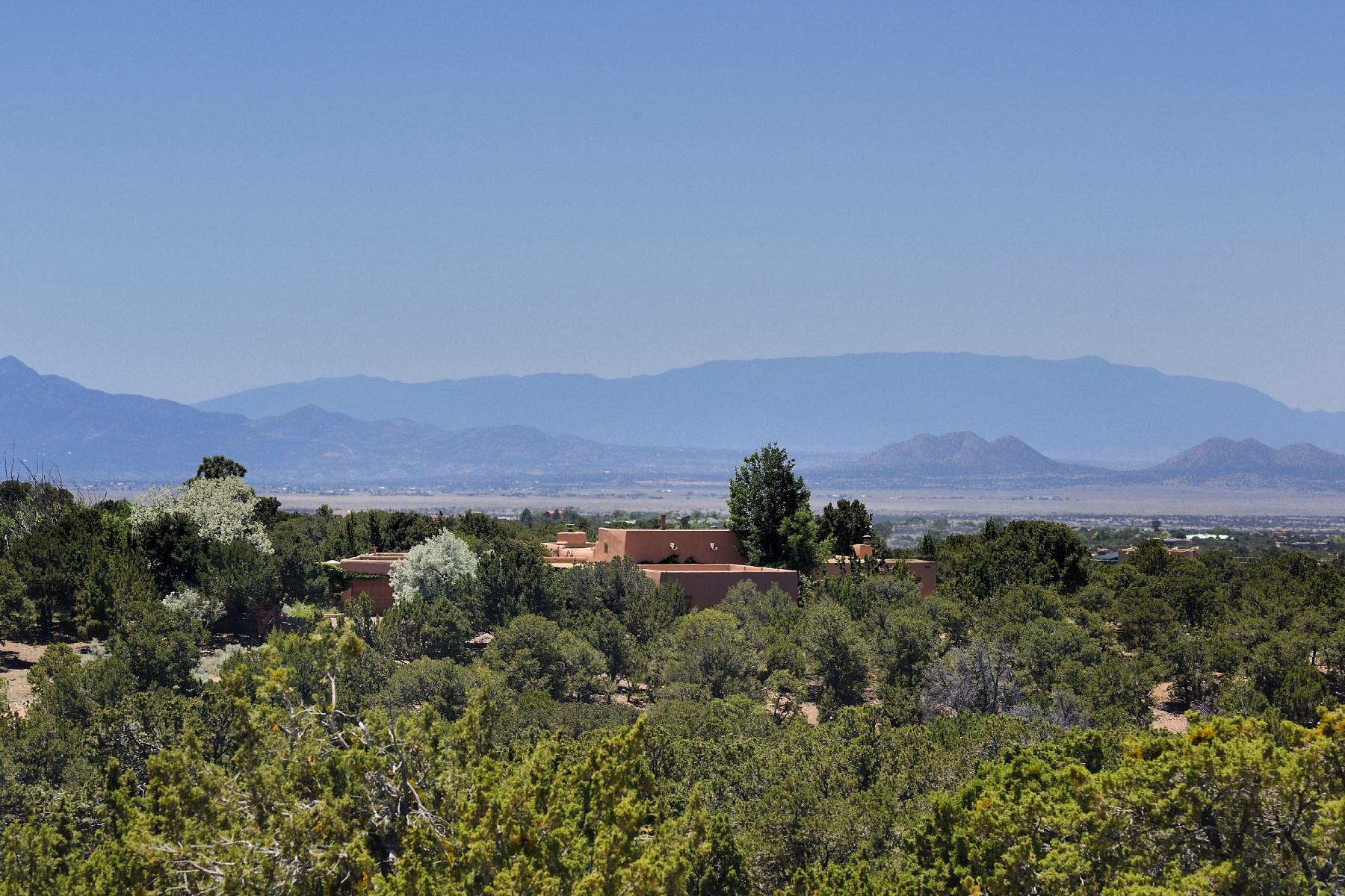 Maison unifamiliale pour l Vente à 7255A Old Santa Fe Trail Santa Fe, New Mexico, 87505 États-Unis
