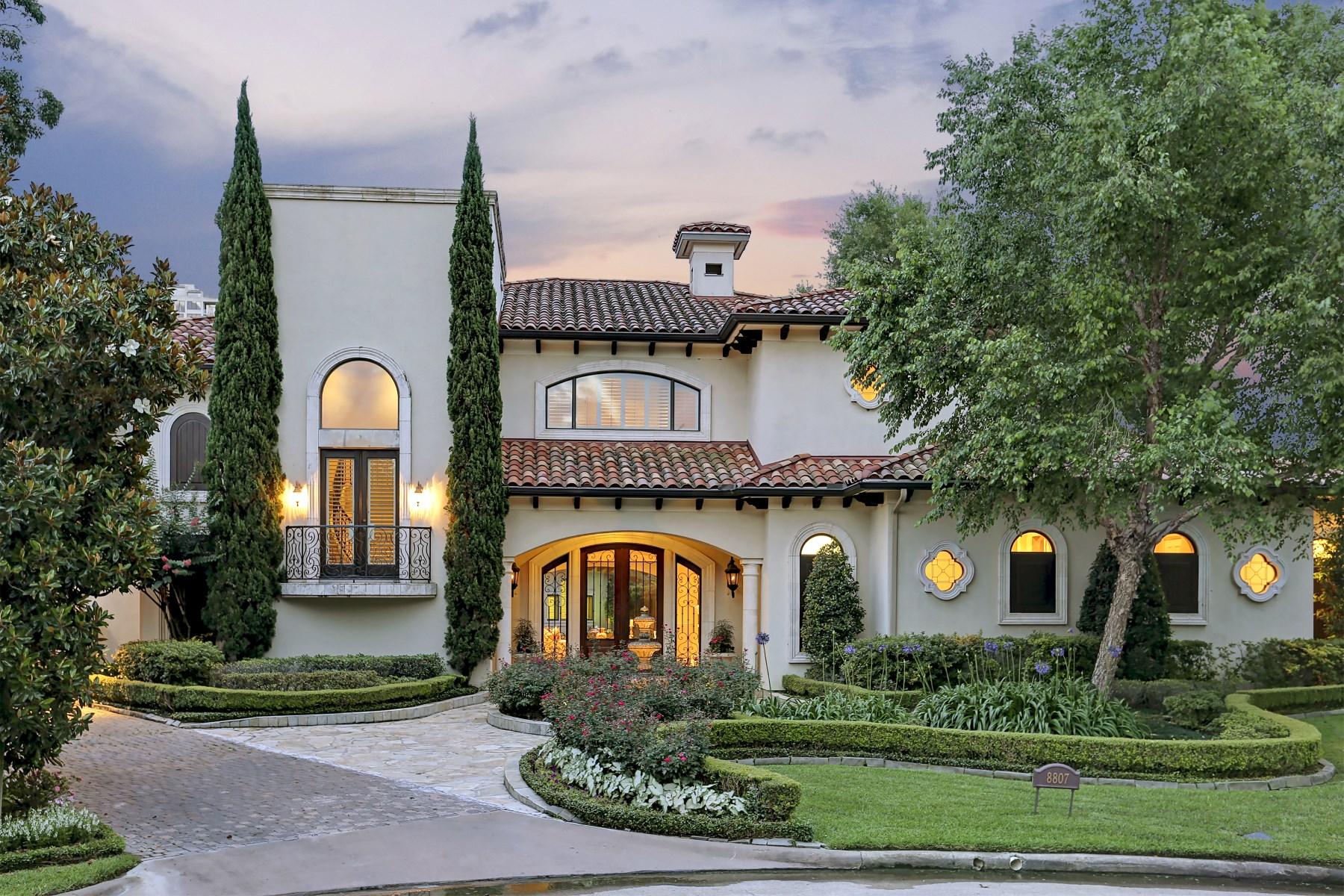 Casa para uma família para Venda às 8807 Stable Crest Court Houston, Texas, 77024 Estados Unidos