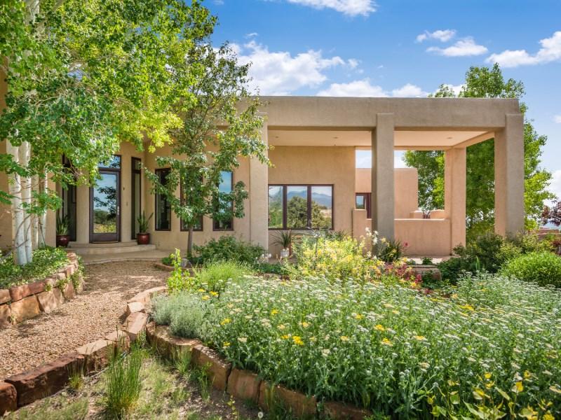 Casa para uma família para Venda às 44 Vereda Serena Santa Fe, Novo México 87505 Estados Unidos