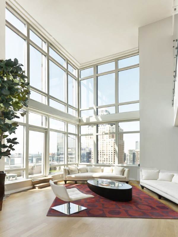 Piso por un Venta en Spectacular Penthouse Triplex 247 West 46th Street Ph 2/4204 New York, Nueva York 10036 Estados Unidos