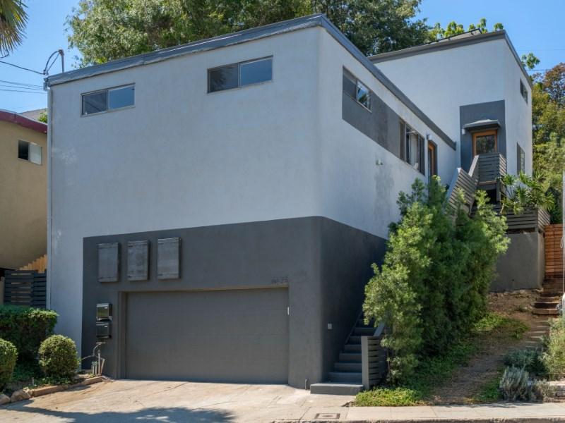 Maison multifamiliale pour l Vente à 1025 North Avenue 50 Highland Park, Los Angeles, Californie 90042 États-Unis