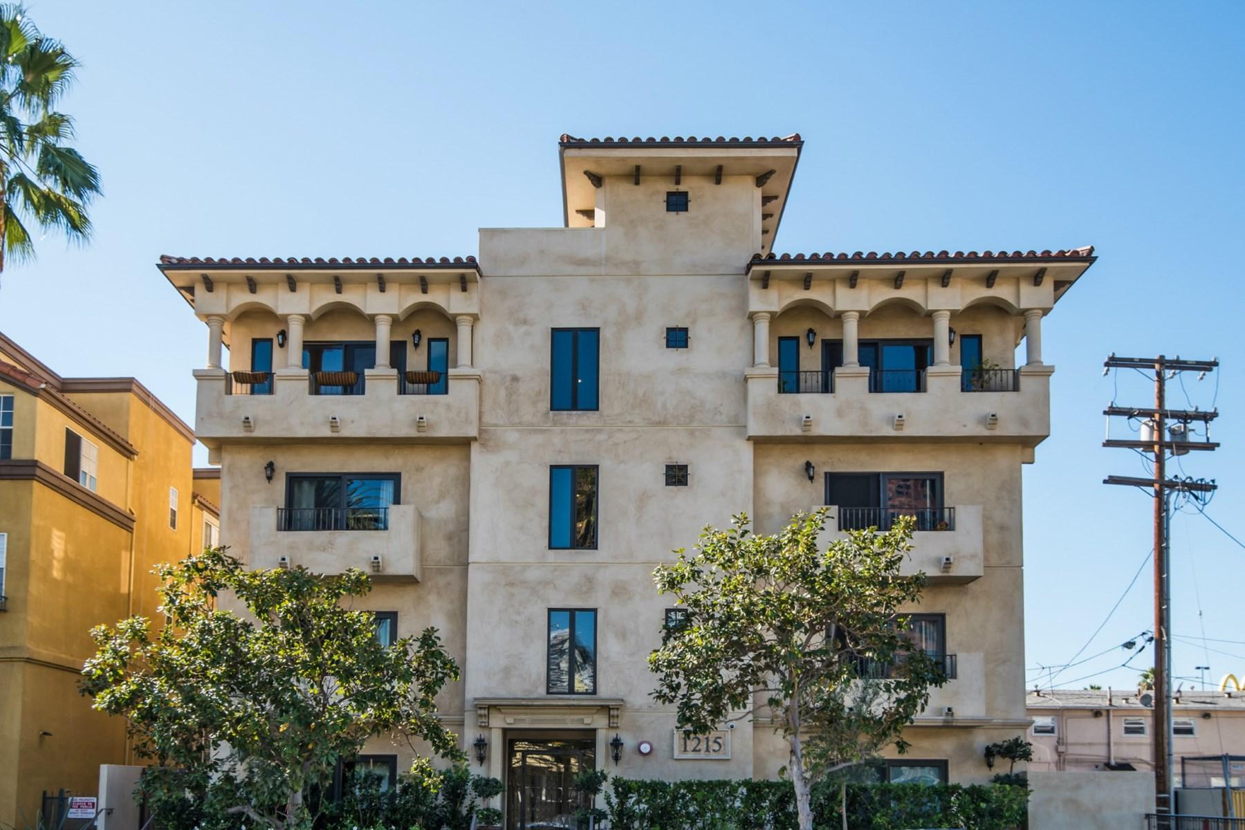 Condominio per Vendita alle ore Brentwood Beauty 1215 Armacost Ave #201 Brentwood, Los Angeles, California 90025 Stati Uniti