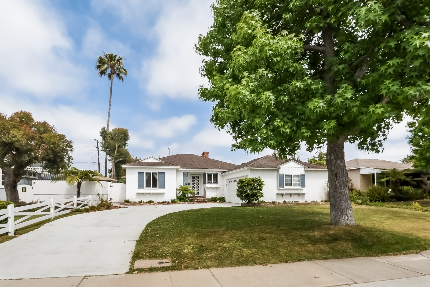단독 가정 주택 용 매매 에 Charming Home in Kentwood HOA 8004 Cowan Avenue Westchester, Los Angeles, 캘리포니아, 90045 미국