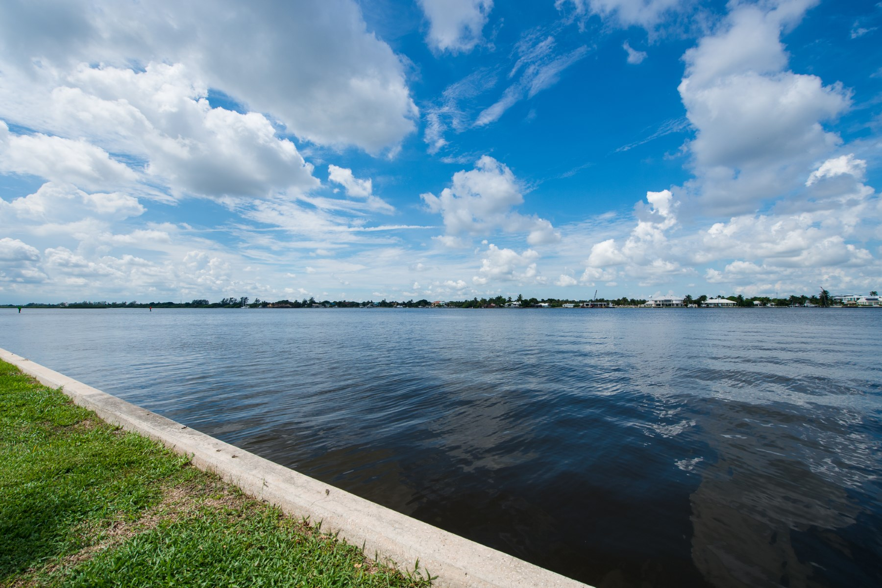Property Of Direct Waterfront Condo - Ibis Isle