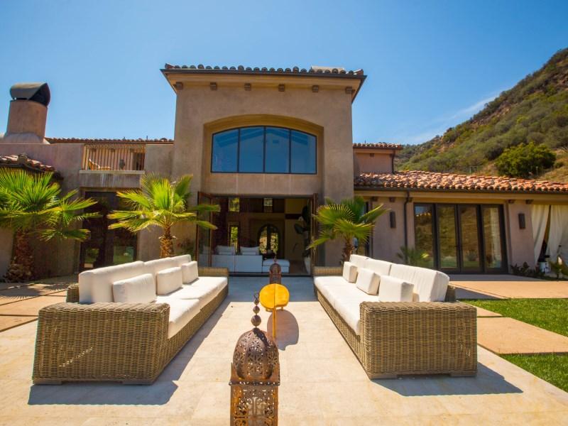 Arazi için Satış at Romantic Mediterranean Villa 32067 Lobo Canyon Road Agoura, Kaliforniya 91301 Amerika Birleşik Devletleri