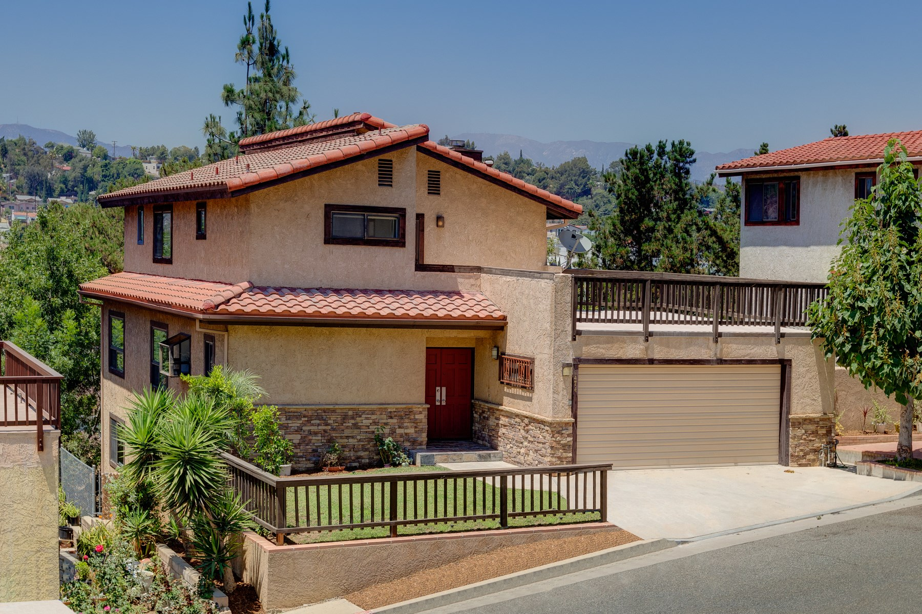 Single Family Home for Sale at 1474 West Avenue 43 Glassell Park, Los Angeles, California, 90065 United States