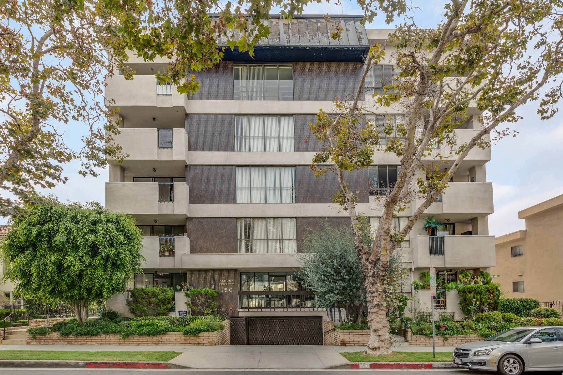 rentals property at Magnificent Remodeled Condo