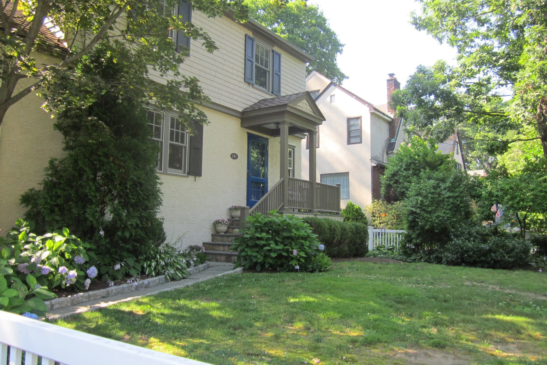 Property For Sale at 36 Valleywood Road