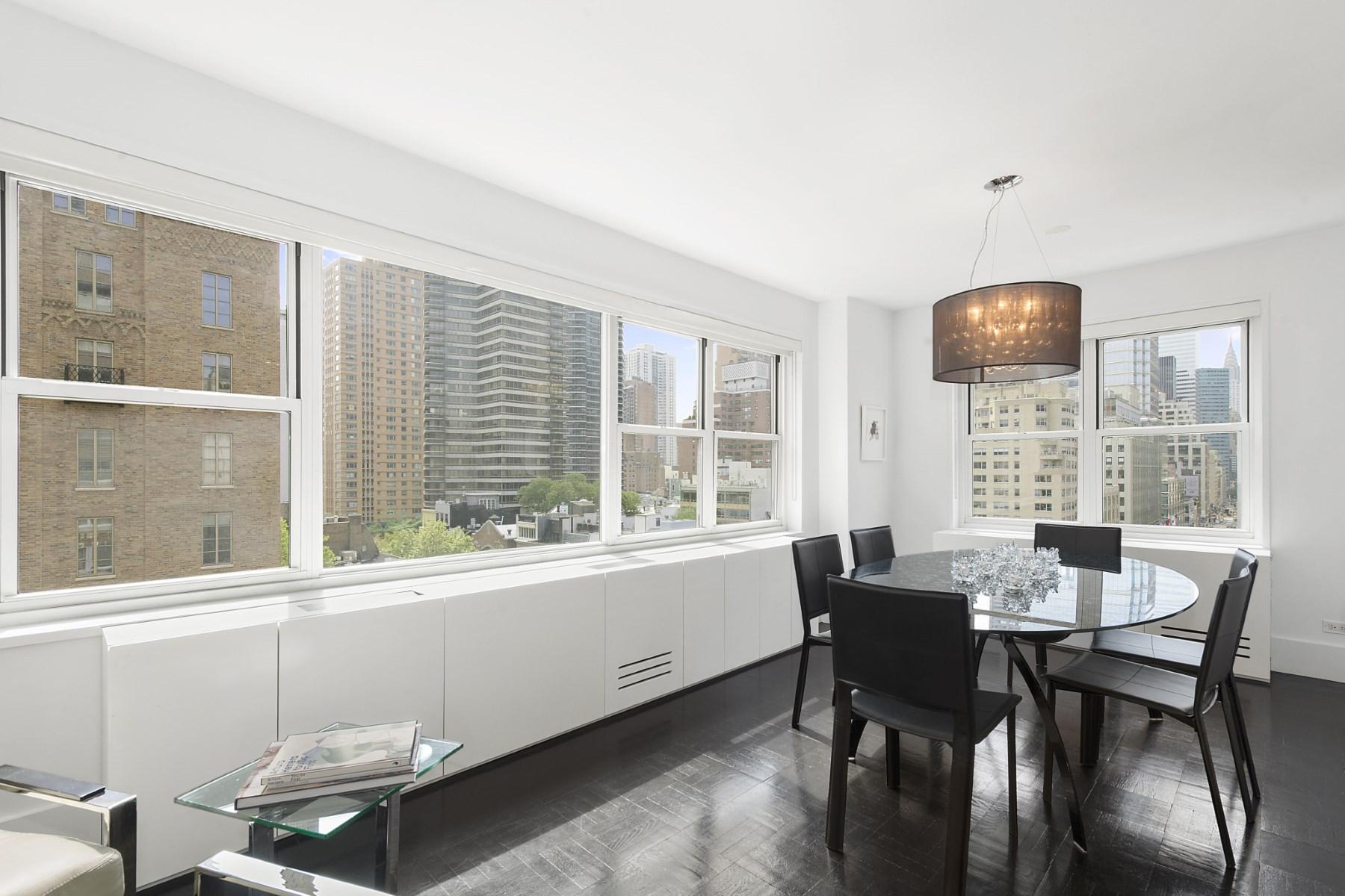 Appartement pour l Vente à 130 East 63rd Street, Apt 10E 130 East 63rd Street Apt 10E Upper East Side, New York, New York, 10065 États-Unis