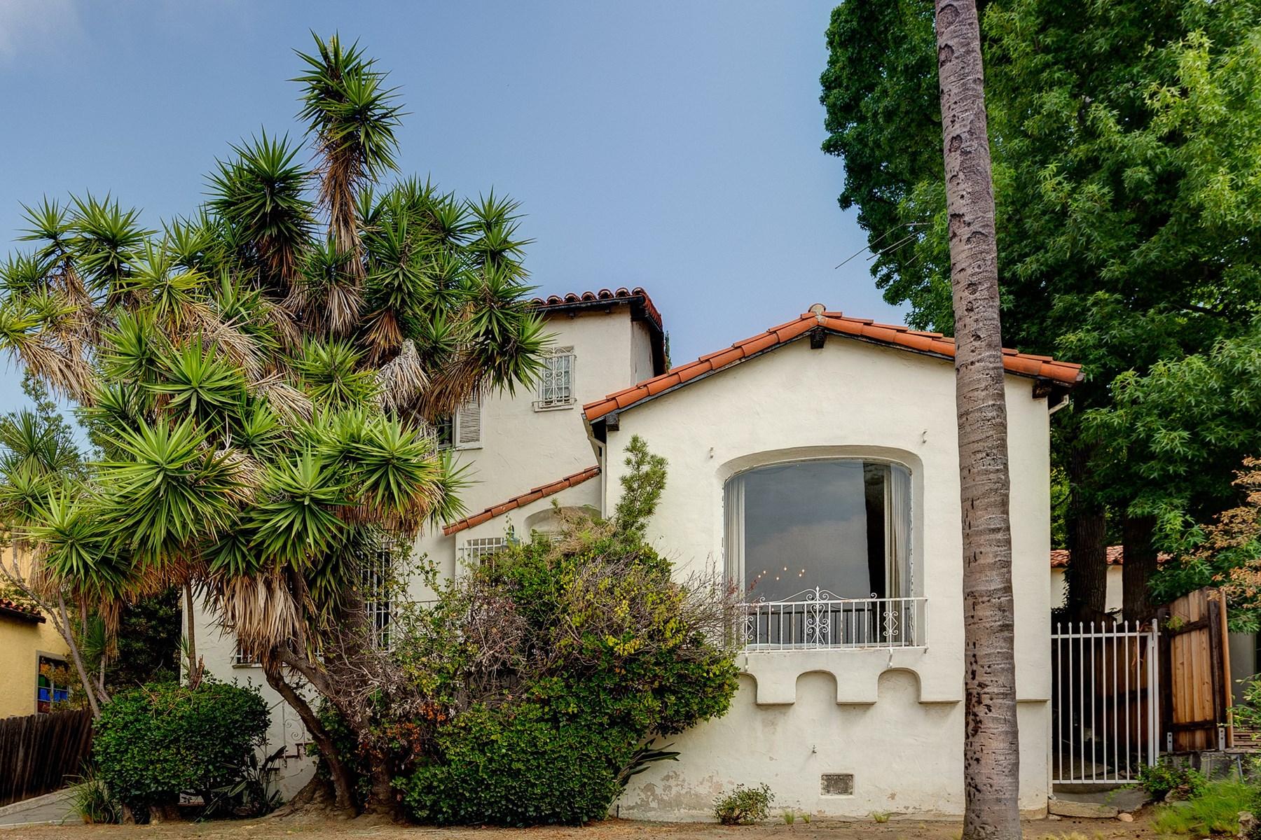 Villa per Vendita alle ore 3777 Effingham Place Los Feliz, Los Angeles, California, 90027 Stati Uniti