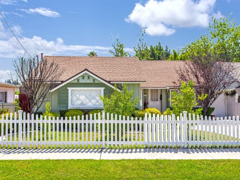 Tek Ailelik Ev için Satış at 6606 Sunnyslope Avenue, Valley Glen Los Angeles, Kaliforniya 91401 Amerika Birleşik Devletleri