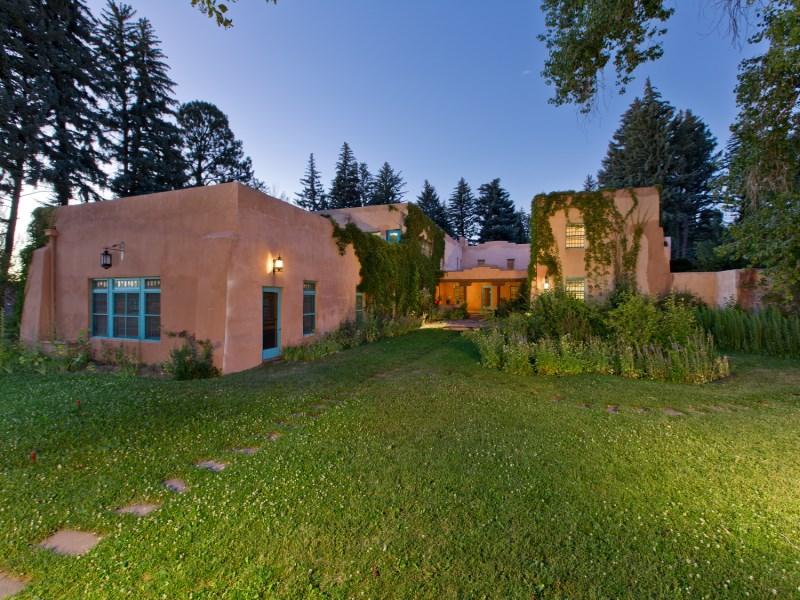 独户住宅 为 销售 在 El Rancho De La Mariposa Taos, 新墨西哥州 87571 美国