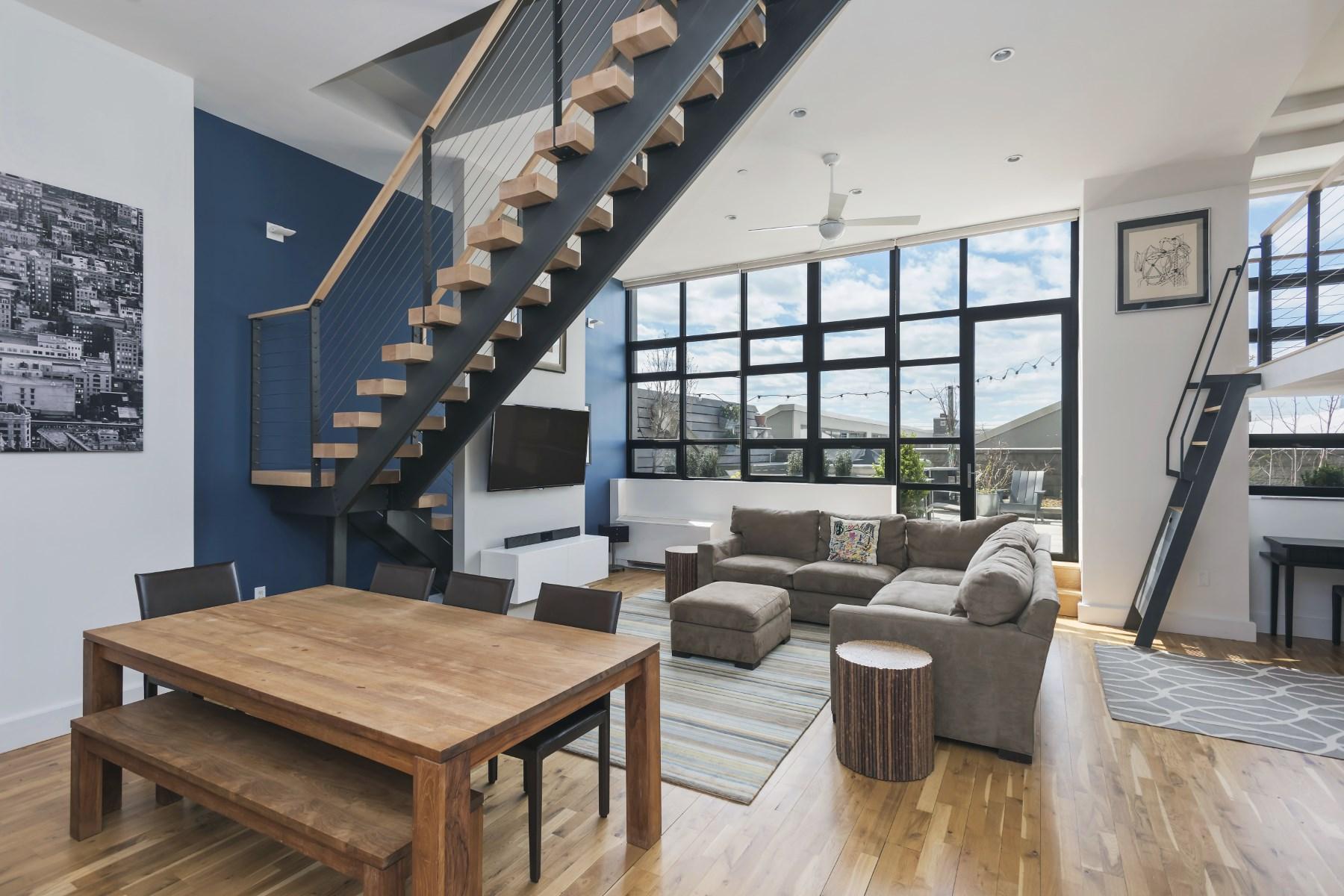 콘도미니엄 용 매매 에 Parkside Duplex Oasis 360 Furman Street Apt 327 Dumbo, Brooklyn, 뉴욕 11201 미국