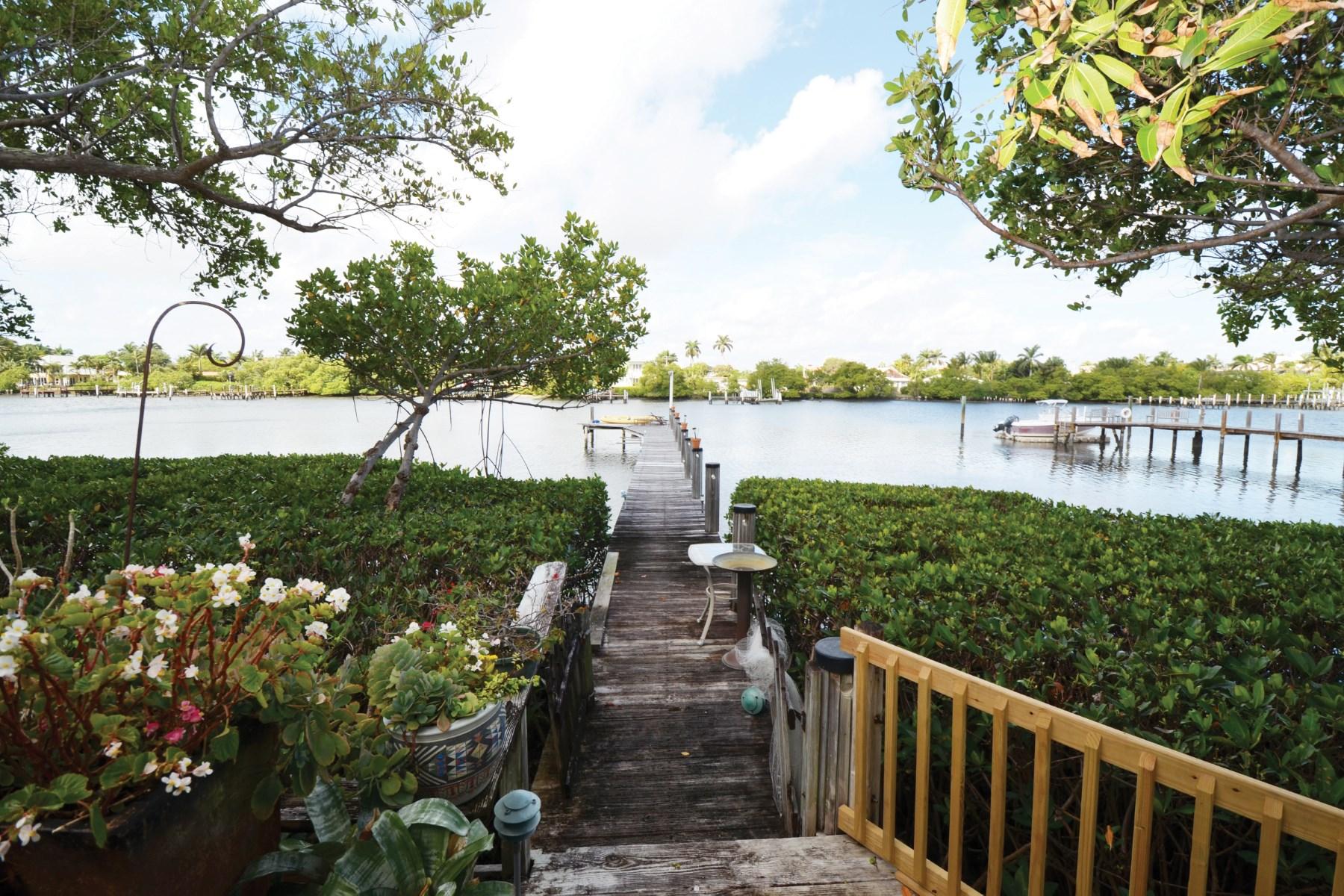 Stadthaus für Verkauf beim Lakefront Townhouse With Private Dock 3543 S Ocean Blvd Apt 107 Palm Beach, Florida 33480 Vereinigte Staaten