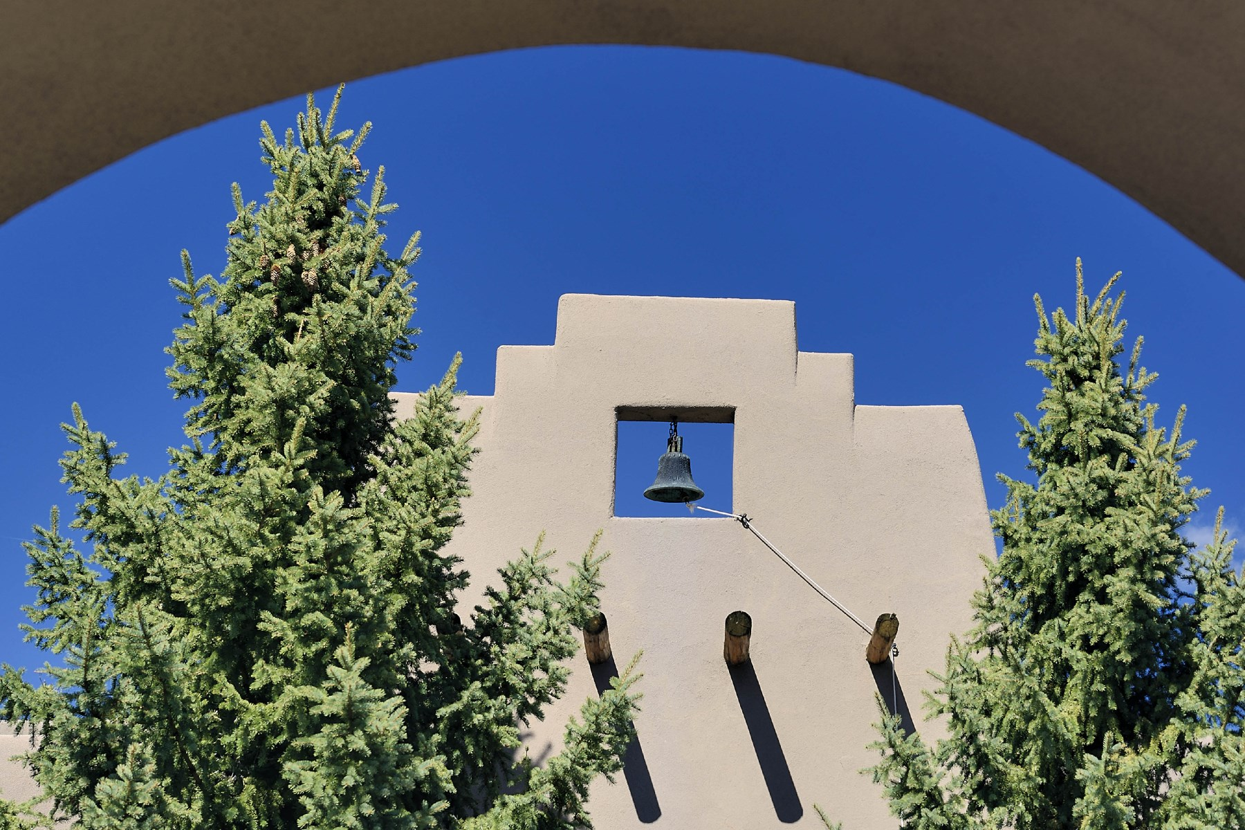 独户住宅 为 销售 在 88 Vista Del Oro 圣达非, 新墨西哥州, 87010 美国