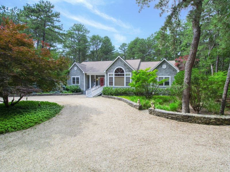 Single Family Home for Sale at Designer Decorator's Home on 2.4 acres 1 Deer Haven Court East Hampton, New York 11932 United States