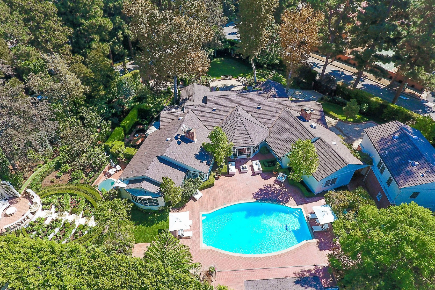 Villa per Vendita alle ore Paul Williams Estate 1001 North Crescent Drive Beverly Hills, California, 90210 Stati Uniti