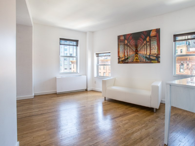 Nhà chung cư vì Bán tại 350 West 14th Street 350 West 14th Street Apt 5c Meatpacking District, New York, New York 10014 Hoa Kỳ