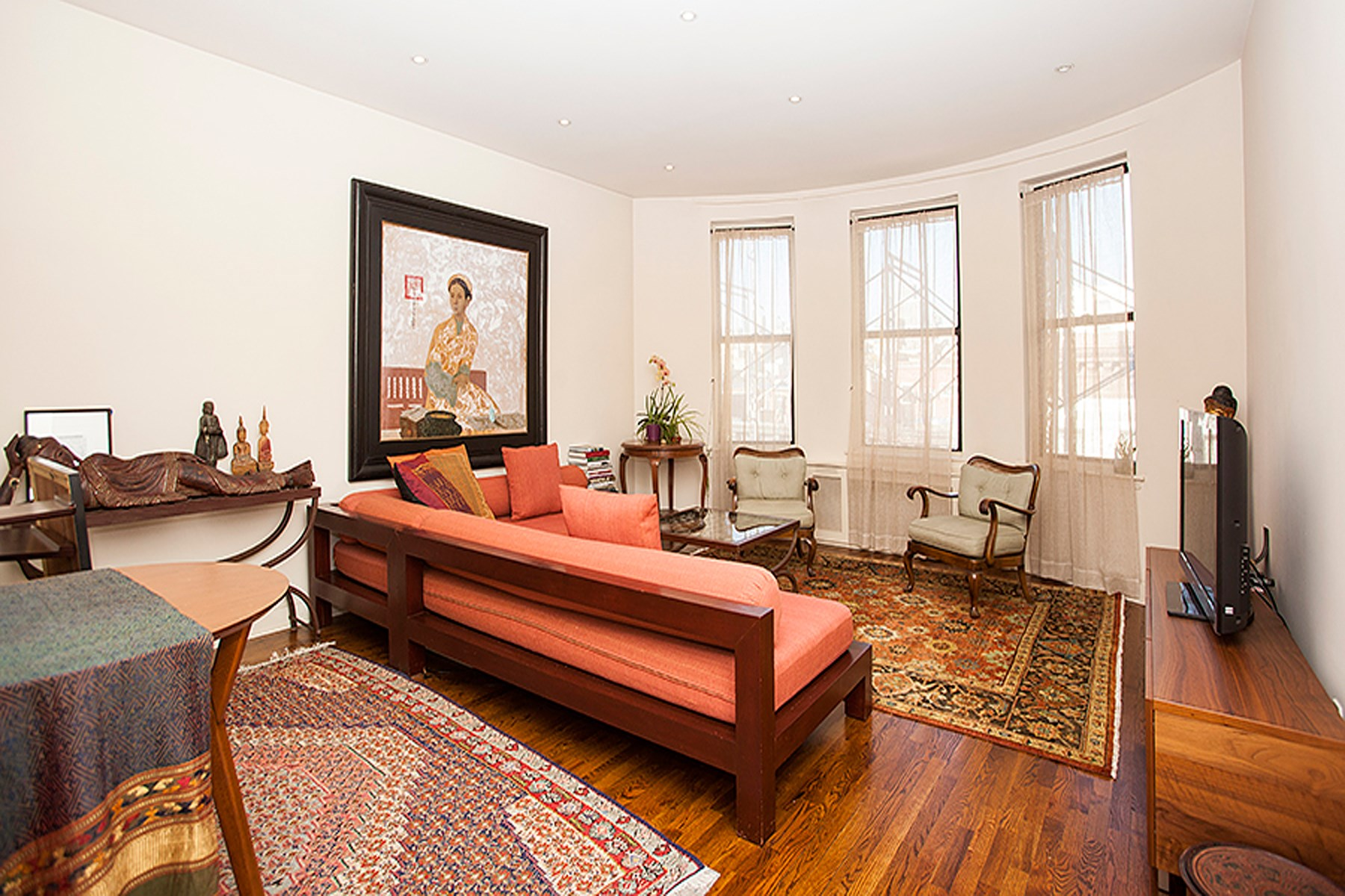 Co-op for Sale at 102 West 80th Street, Apt. 61 102 West 80th Street Apt. 61 Upper West Side, New York, New York 10025 United States