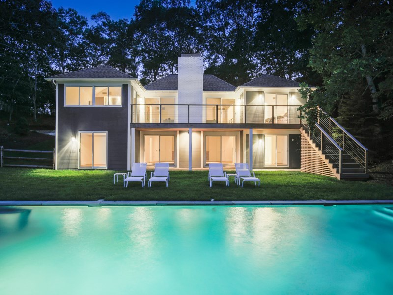 Maison unifamiliale pour l Vente à Breathtaking Modern Waterfront 13 Clamshell Avenue East Hampton, New York 11937 États-Unis