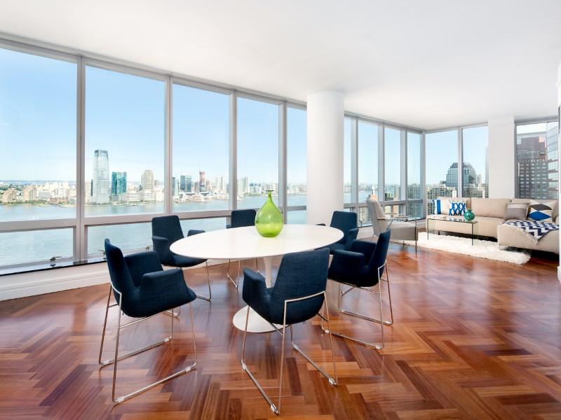 共管式独立产权公寓 为 销售 在 10 West Street, Apt 33A 10 West Street Apt 33a Battery Park City, New York, 纽约州 10280 美国