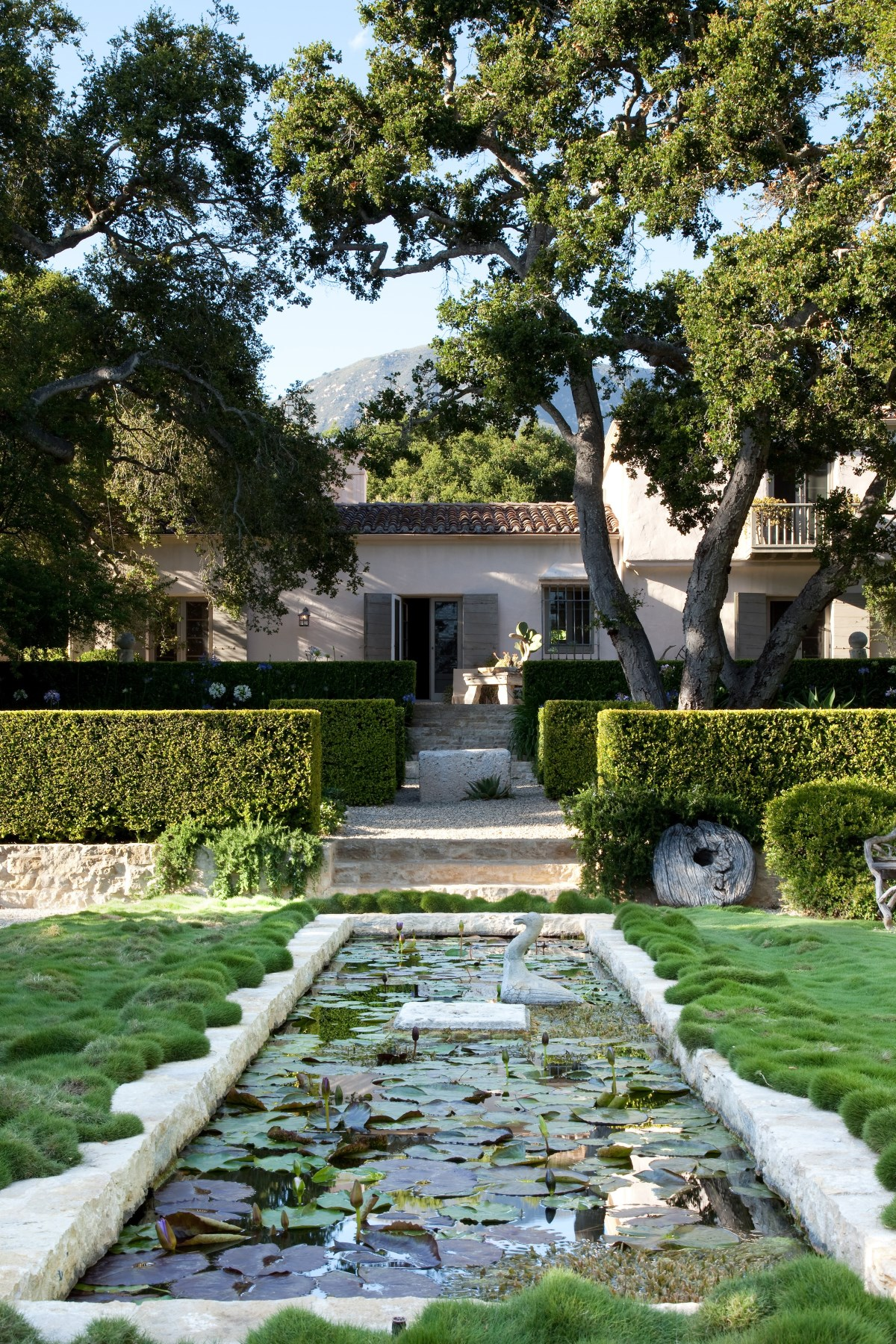 sales property at Montecito Pied-A-Terre