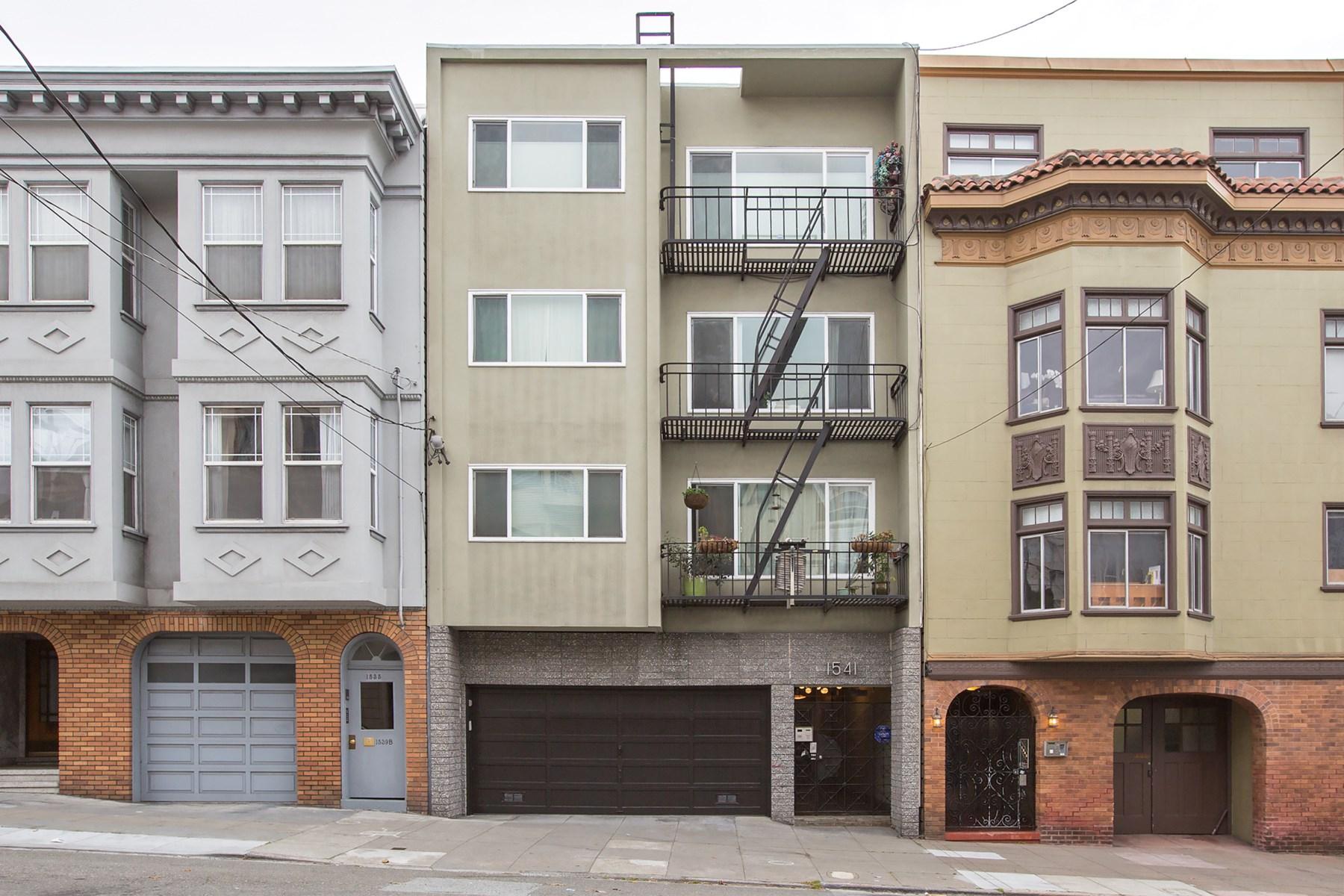 Condomínio para Venda às Fabulous Filbert 1541 Filbert St Apt 1 Cow Hollow, San Francisco, Califórnia 94123 Estados Unidos